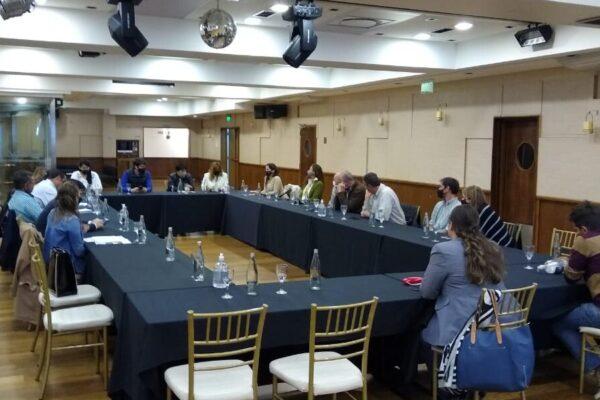 Sector turístico se reúne con legisladores y concejales para seguir trabajando en conjunto